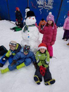 20171201 111609 225x300 - Snežaki v vrtcu
