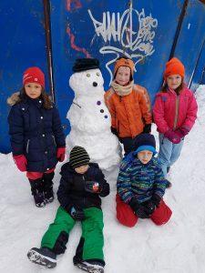 20171201 111453 225x300 - Snežaki v vrtcu