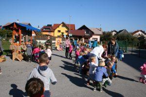 Jesenska tržnica 3 300x200 - Teden otroka: Prosti čas