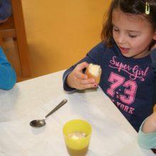 Maslo 5 220x220 - PRAZNA VREČA NE STOJI POKONCI