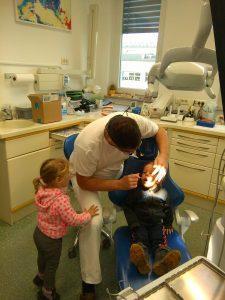 IMAG2785 225x300 - Račke na obisku pri zobozdravniku