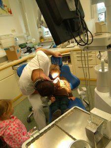IMAG2788 225x300 - Račke na obisku pri zobozdravniku