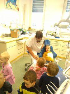 IMAG2794 225x300 - Račke na obisku pri zobozdravniku