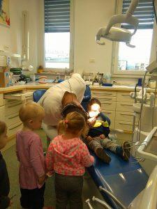 IMAG2797 225x300 - Račke na obisku pri zobozdravniku