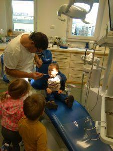 IMAG2802 225x300 - Račke na obisku pri zobozdravniku