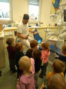 IMAG2808 225x300 - Račke na obisku pri zobozdravniku