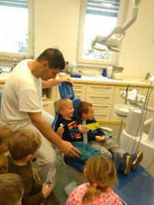 IMAG2812 225x300 - Račke na obisku pri zobozdravniku