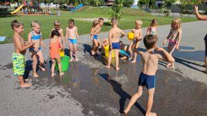 IMG 20210729 093850 300x169 - Slončki, Tigrčki in Levčki uživajo v igrah z vodo