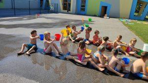 IMG 20210729 095043 300x169 - Slončki, Tigrčki in Levčki uživajo v igrah z vodo